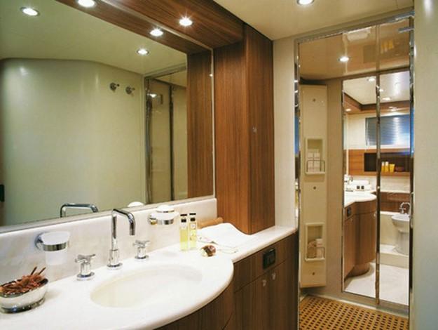Освещение в ванной комнате фото